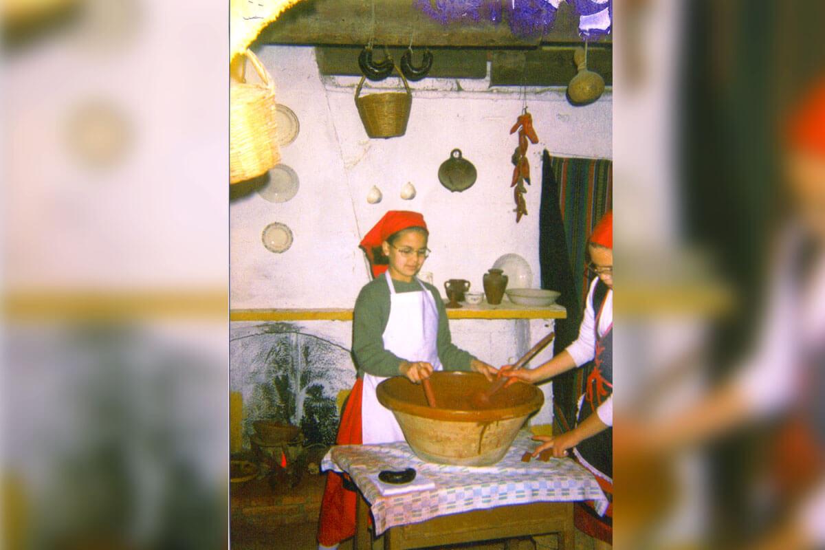BELÉN VIVIENTE DE BEAS | 1997-1998